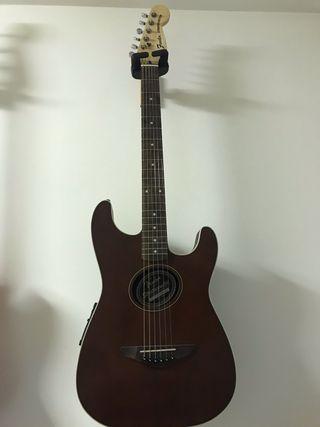 Fender squier stratacoustic
