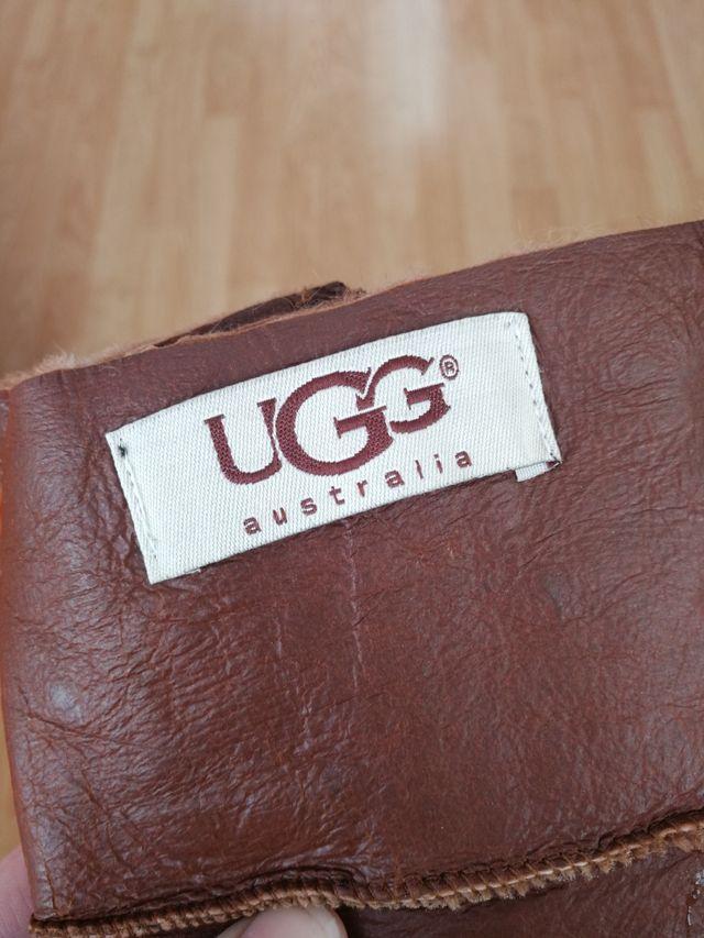 Guantes de piel caballero marca UGG. SIN ESTRENAR