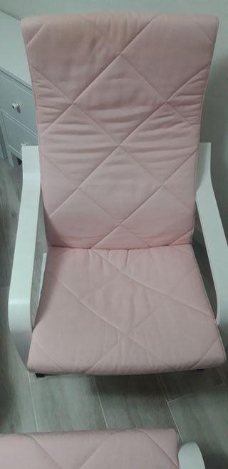 Butaca poang Ikea y reposapies rosa