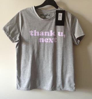 Camiseta Ariana Grande. Nueva. Talla S