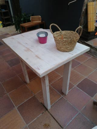 mesa alta de madera
