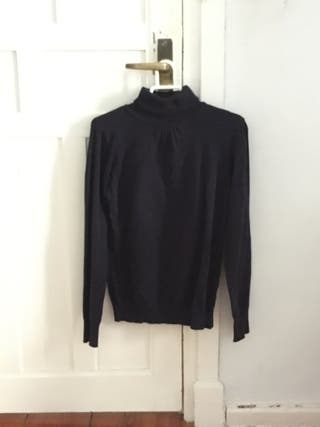 Camiseta de cuello alto Zara