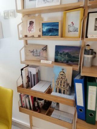 Dibujos y pinturas en tabla de madera