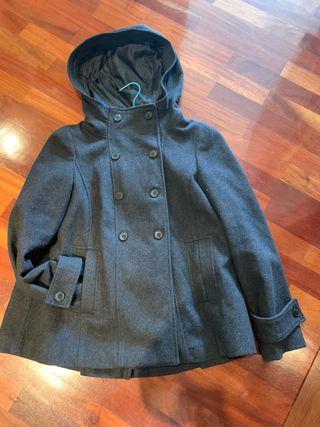 Abrigo corto gris oscuro