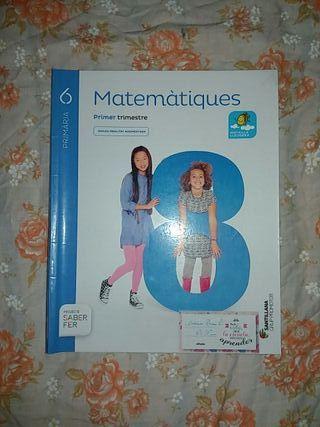 libros matemáticas y uno de religión perfecto esta
