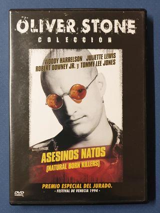 DVD - Asesinos natos