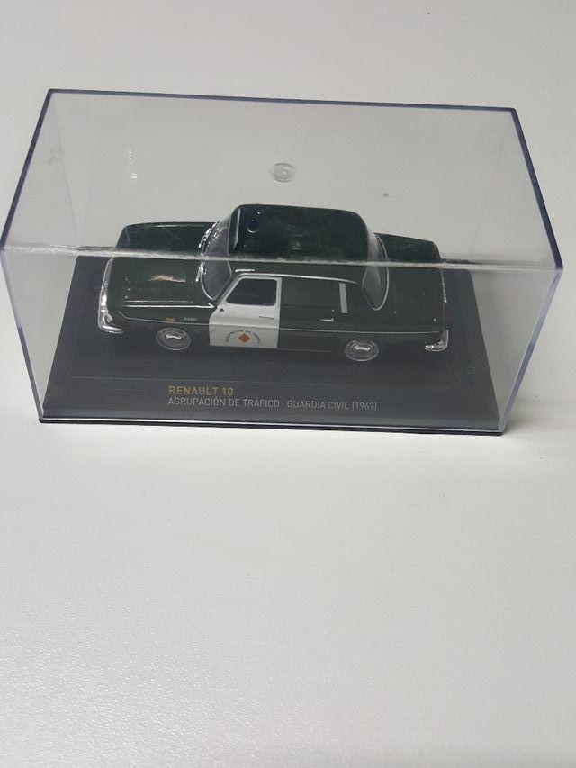 Renault 10 Guardia civil escala