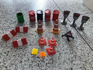 Playmobil accesorios , señales, conos...