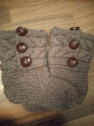 Calcetines de lana hechos a mano.