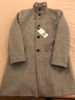 Abrigo hombre Zara gris. Talla L. Nuevo