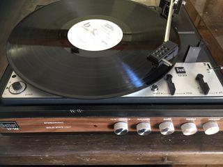 Tocadiscos vintage Bettor EF 143