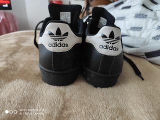 Tenis Adidas Originales.