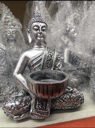 Buda de color plata