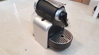 Cafetera Delonghi Nespresso Essenza EN 90