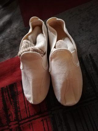 zapatillas de hacer gimnasia taekondo sin estrena