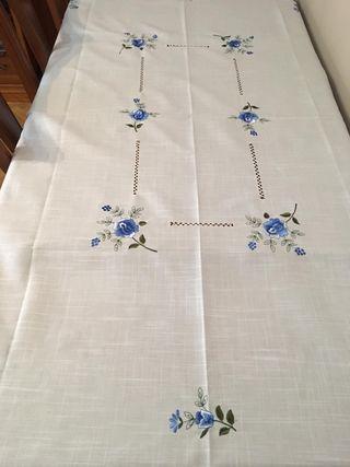 Mantel 1,80x1,35 y 6 servilletas