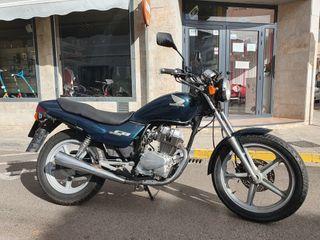 se vende honda cb 250 cc