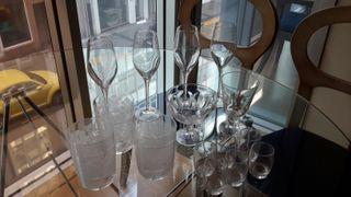Copas y vasos de cristal