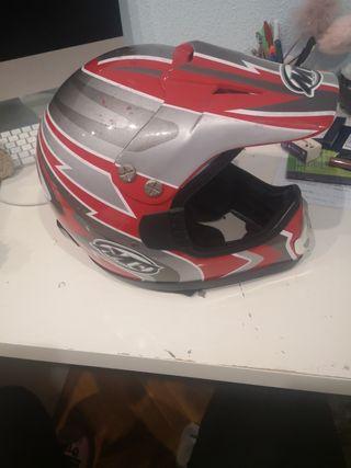 vendo casco de moto talla muy pequeña