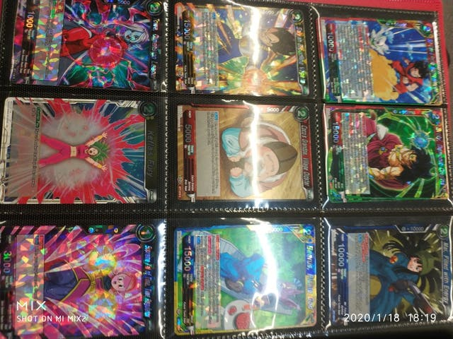 Se venden cartas de Dragon Ball