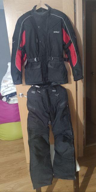 chaqueta, pantalon moto
