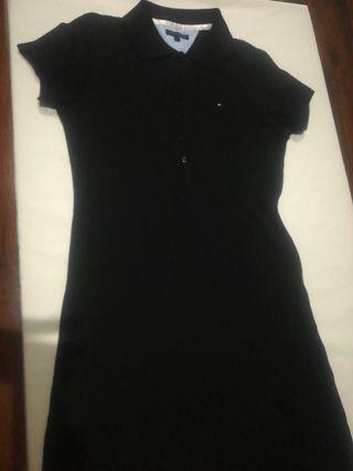 Vestido negro (Tommy Hilfiger)