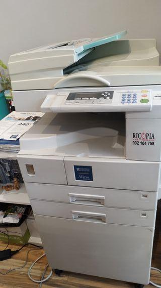 Fotocopiadora impresora Aficio 2020D