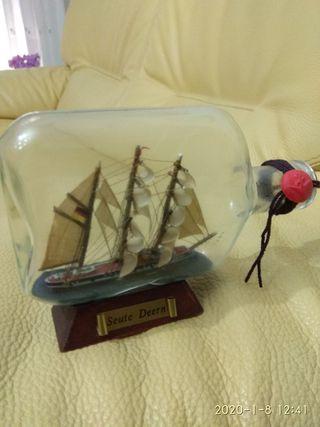 botella con barco
