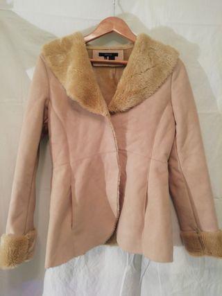 Abrigo beige mujer de Zara