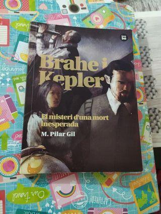 Libro (Brahe i Kepler) en catalán