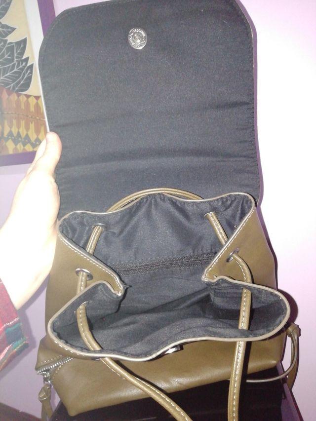 Pack: Mochila mediana más bolso de mano
