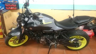 vendo yamaha MT07