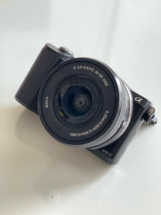 Sony A5000 - Cámara réflex Digital