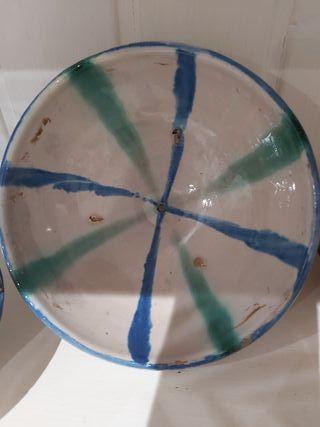 Cuenco de cerámica antigua de Fajalauza