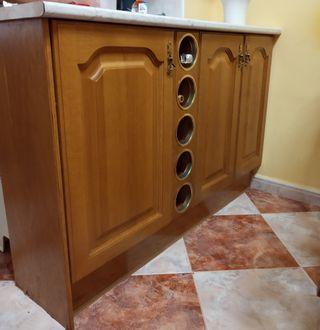 Se venden muebles de cocina rústico.
