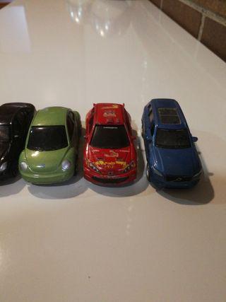 coches antiguos de juguete