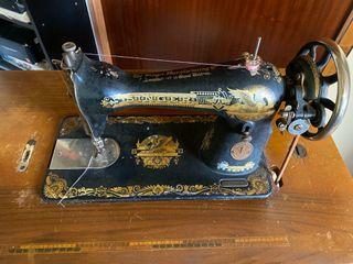 Máquina de coser antigua Singer 1928