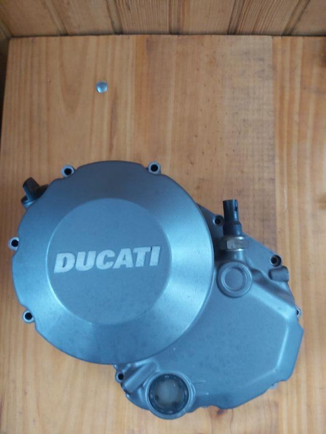 Tapa motor Ducati Monster