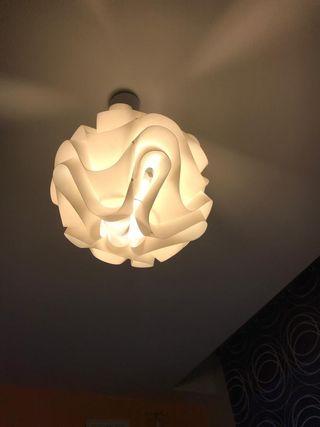 Lámpara de diseño blanca