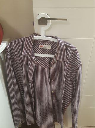 Ropa hombre. Camisa Levi's