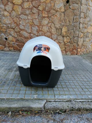 Caseta de perro nueva