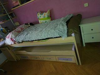 Dormitorio juvenil morado