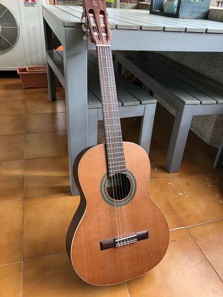 Guitarra Alhambra cadete (8-14 años aprox)