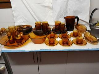 Vajilla duralex ambar, 47 piezas