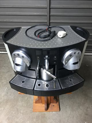 Cafetera Nespresso GEMINI 220 PRO