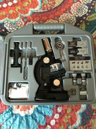 Microscopio de niño