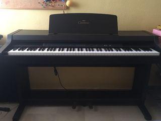 Piano electrónico YAMAHA Clavinova