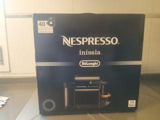 Cafetera cápsulas Nespresso