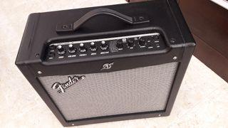 Fender Mustang 2 Version 2 impoluto