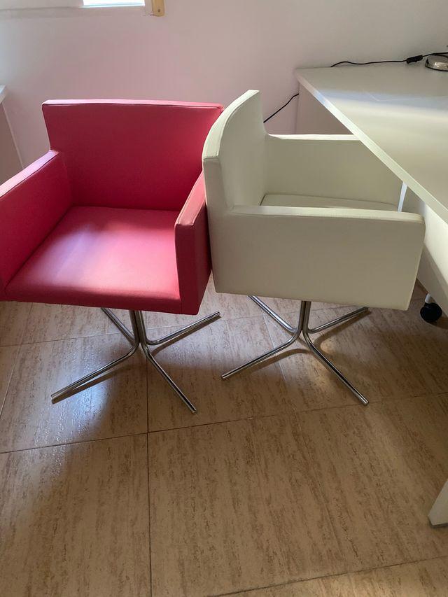 4 sillas de poli piel nuevas